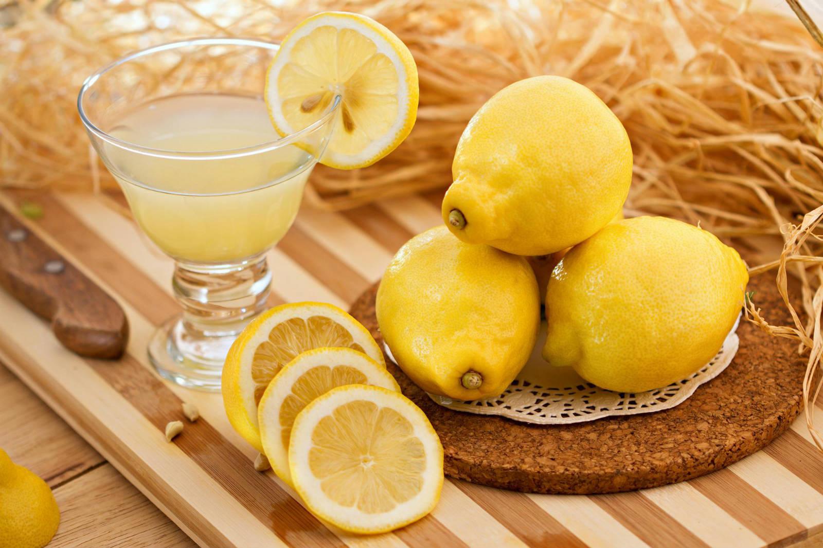 Lemon-juice-for-body-odor