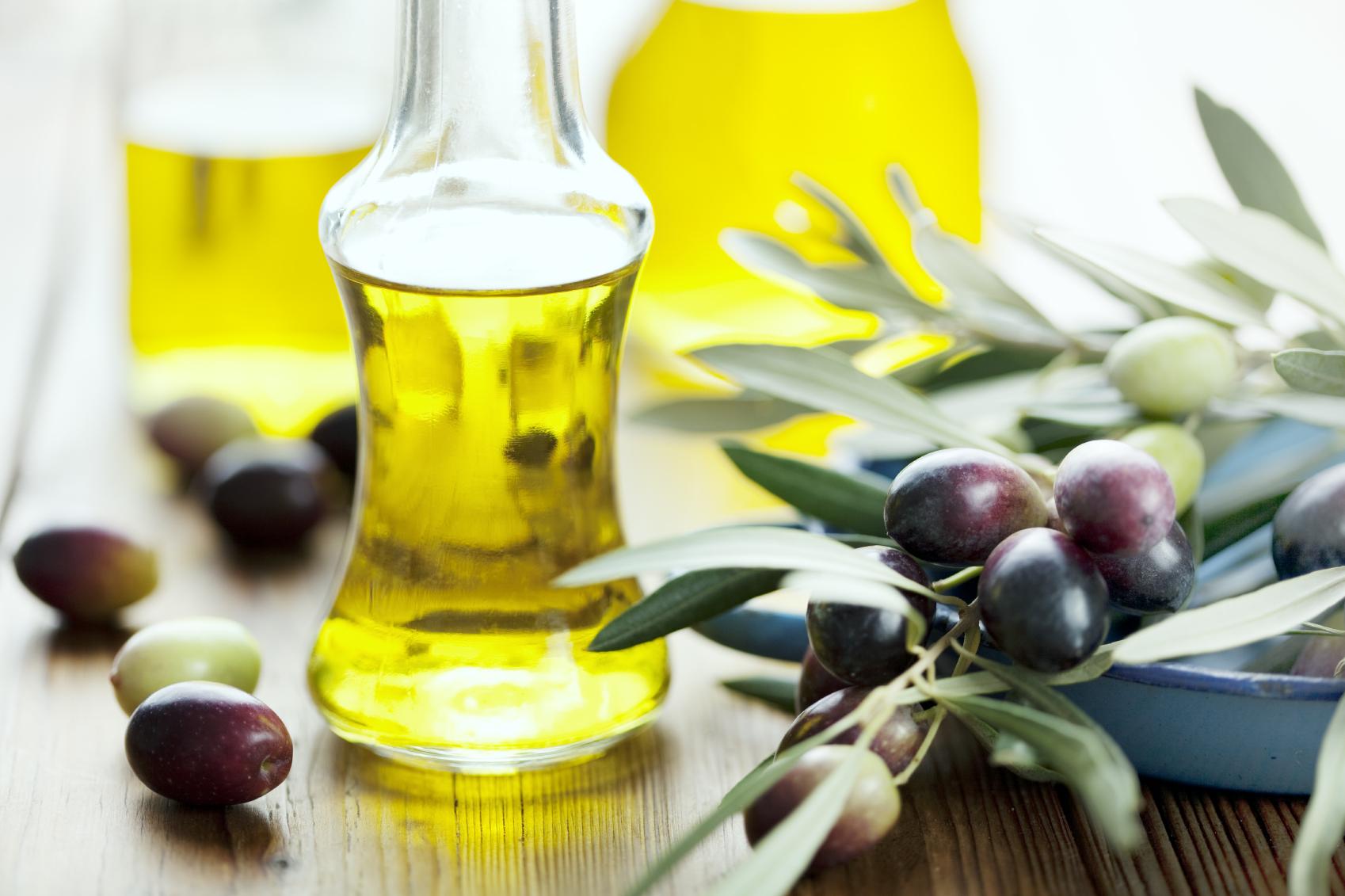 Olive-oil-for-stretch-marks