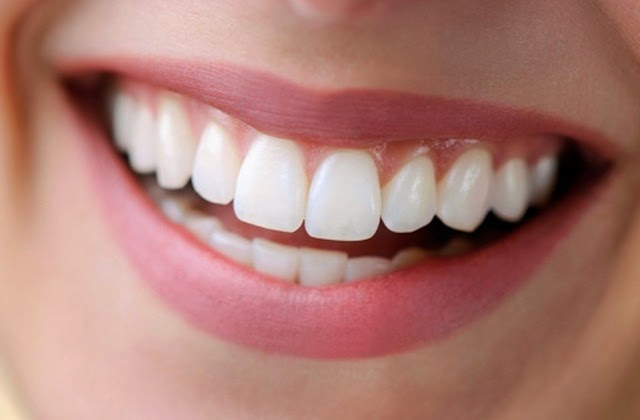 Ten tips that will help you in maintaining healthy teeth and gums
