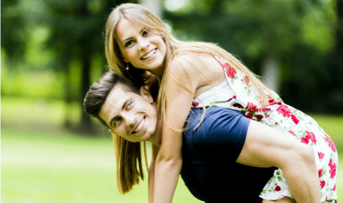 10 little things you must do as a couple to make your bond stronger
